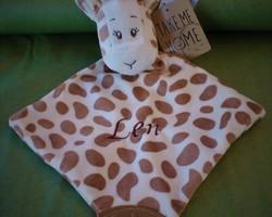 Giraf knuffeldoekje met naam geborduurd